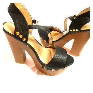 Qupid wood platform heels